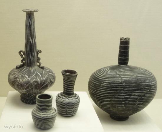 Islamic bottles with delicae thread design